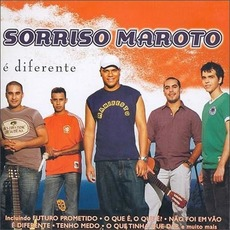 É Diferente mp3 Album by Sorriso Maroto